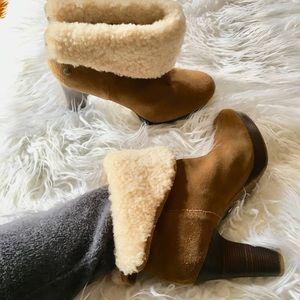 ☃️ UGG Platform heeled bootie